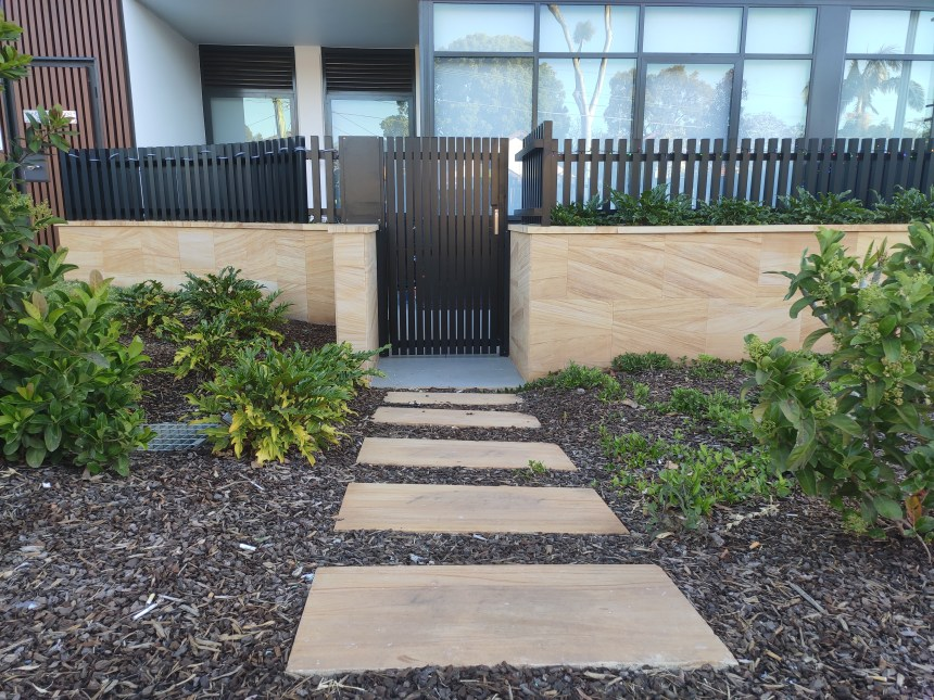 Sandstone tiles and pavers in garden design