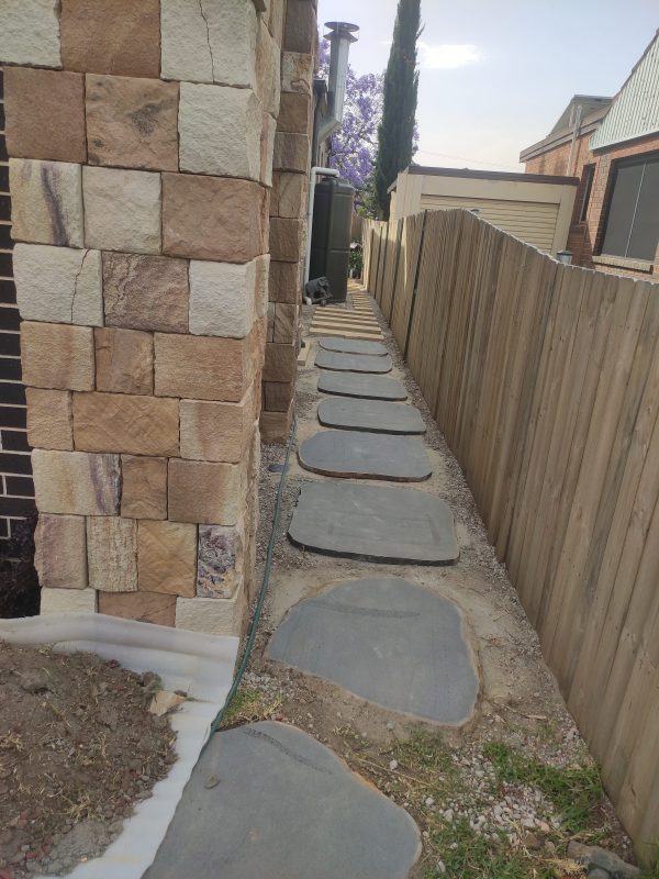 Iluka Bluestone Stepping Stones and Ranch Colonial walling stone in a residential house application
