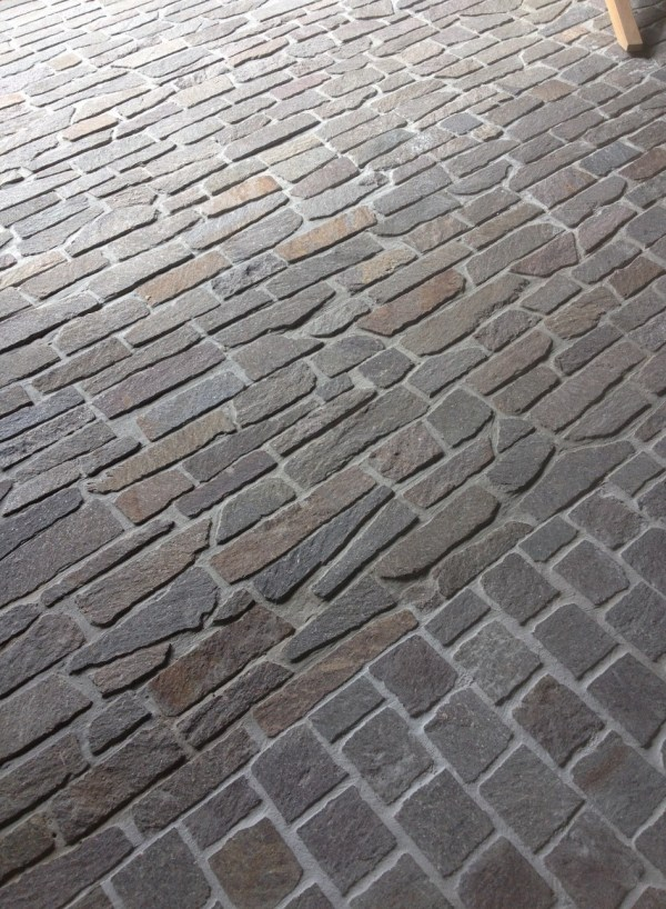 Filetti stone paving, Linden-Porphyry-Filetti