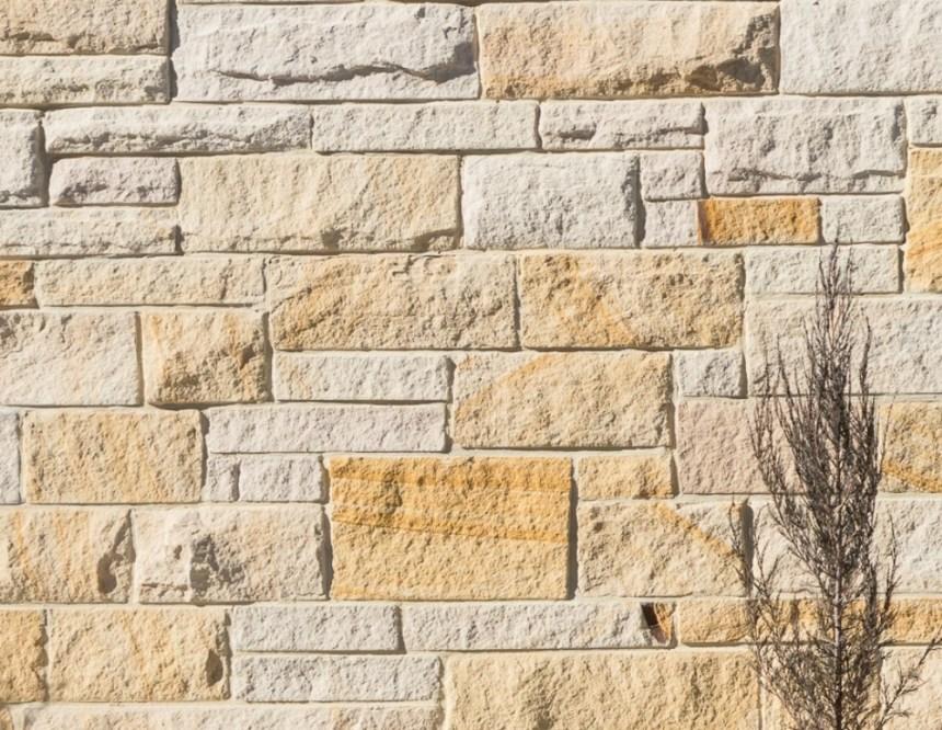 3 set sandstone walling