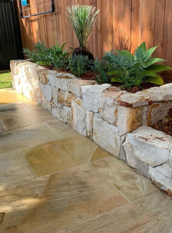 Burnie irregular wall cladding and sandstone paver in residential home project