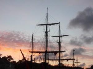 Ships_at_dusk
