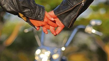 03-29-21_couple-holding-hands_420