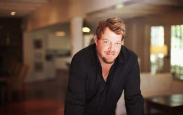KOKE FM and Shiner present..Pat Green FREE In-Store Performance!