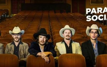 Paramount Social Presents Mike and the Moonpies