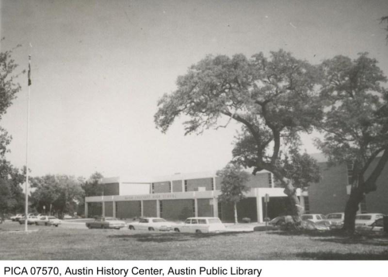 https://texashistory.unt.edu/ark:/67531/metapth124208/