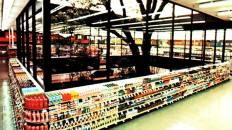 In 1977, the 'Tree Safeway' Kept Austin's Grocery Stores Weird