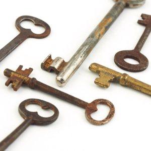 Antique Steampunk Skeleton Keys