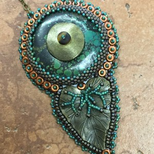 Beaded Cabochon Bezel with Leaf