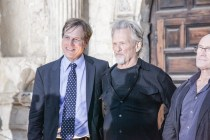 Actors Bill Paxton & Kris Kristofferson with musician Phil Collins