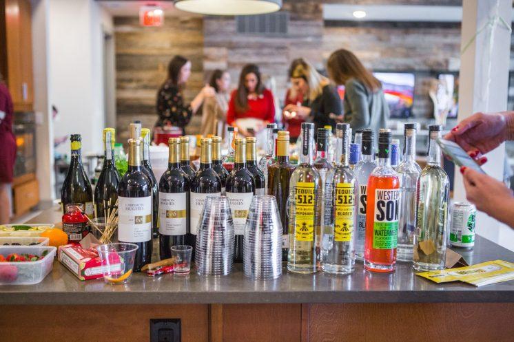 The Party Bar - friendsmas