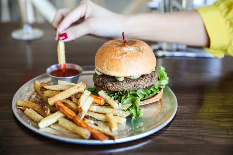 Smoked Green Chili Burger - Citizen Eatery