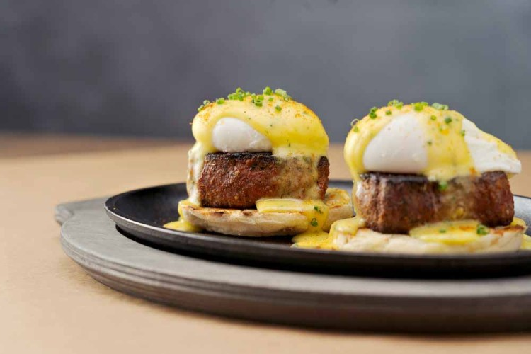 Carve Filet Creole Benedict1