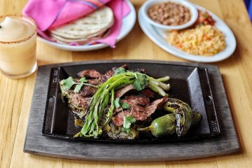 ¡Vamonos! steak fajitas