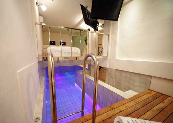 love motel in seoul with pool