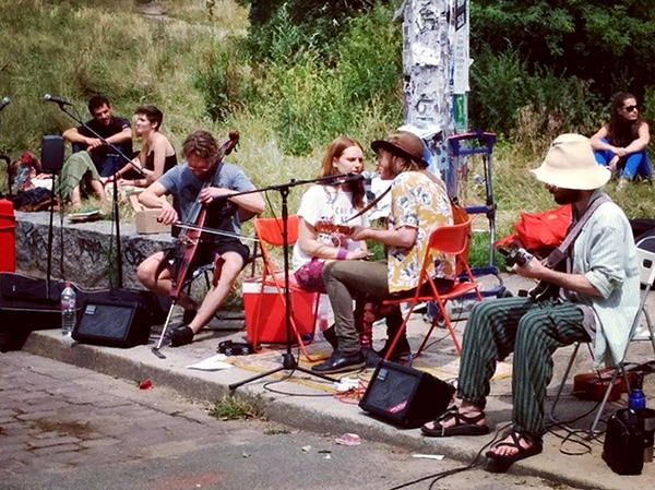 Musicians at Mauerpark