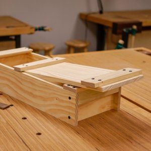 Etonnant Pine Toolbox Held With Nails Asfd Austin School Of Furniture And Design ...
