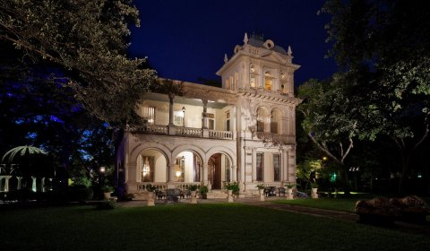 fantastic lighting austin. the austin séance appears on friday, oct. 13, for a sitting at fantastic villa finale in san antonio. located center of king william national lighting