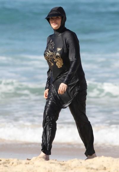 Nigella Lawson on Bondi Beach