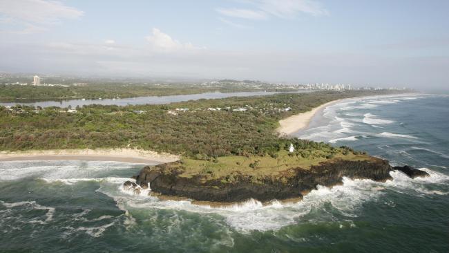 Dangerous Fingal Head between two patrolled beaches