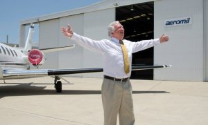 Aeromil's Steve Padgett celebrates the opening of Flight Options. (Aeromil)