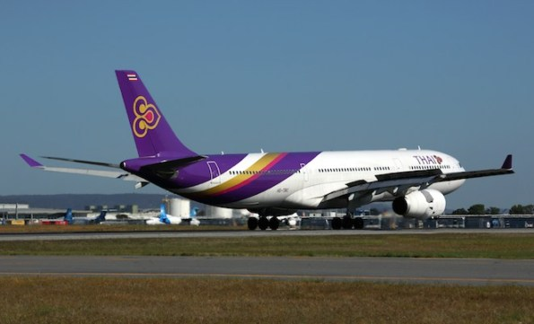 A Thai Airways A330 lands at Perth. (Rob Finlayson)