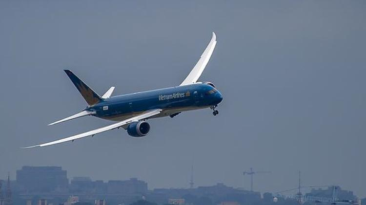 Vietnam Airlines' first Boeing 787-9 flies over Washington DC. (Boeing)