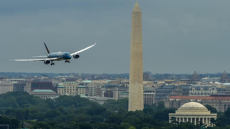 Vietnam Airlines' first Boeing 787-9 flies past the Washington Monument. (Boeing)