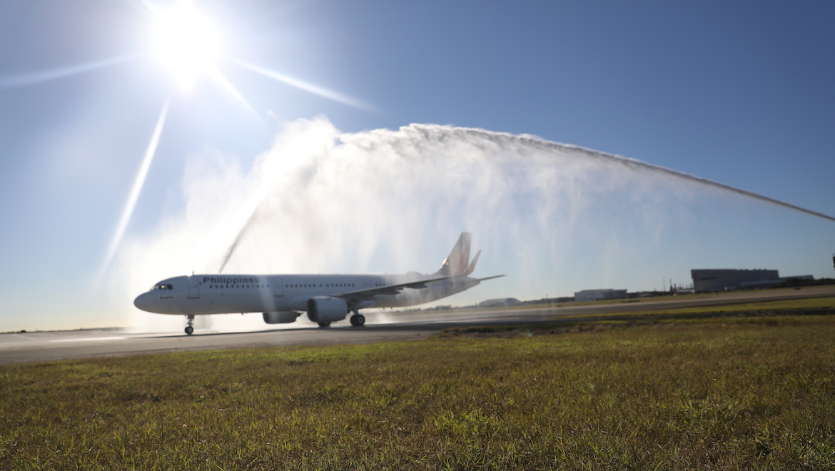Philippine Airlines' inaugural Airbus A321neo flight to Brisbane receives a traditional welcome. (Philippine Airlines)