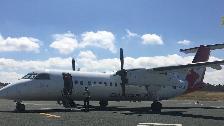 A QantasLink Q300 at Bendigo Airport. (City of Greater Bendigo/Facebook)