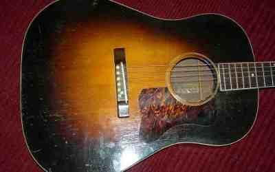 Gibson Jumbo Guitar.