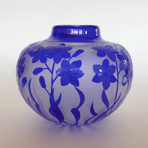Squill vase (blue) by Amanda Louden. Blown and etched glass.