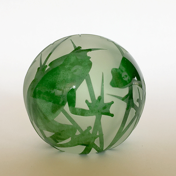 Frog paperweight (green) by Amanda Louden. Blown and etched glass. H 8cm x W 8cm