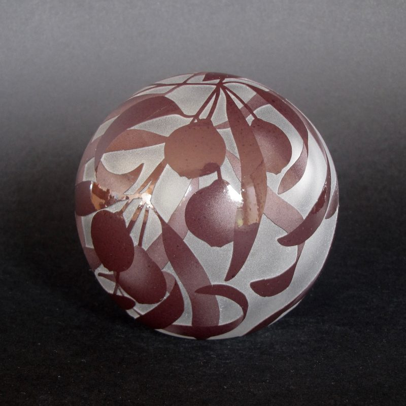 Quandong - Santalum acuminatum paperweight. Handblown and etched glass by Amanda Louden. H 9cm W 8.5 cm
