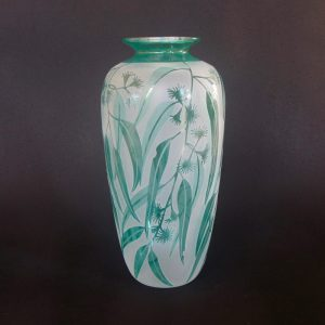 Gum vase. Handblown and etched glass by Amanda Louden. H 19.5cm W9cm