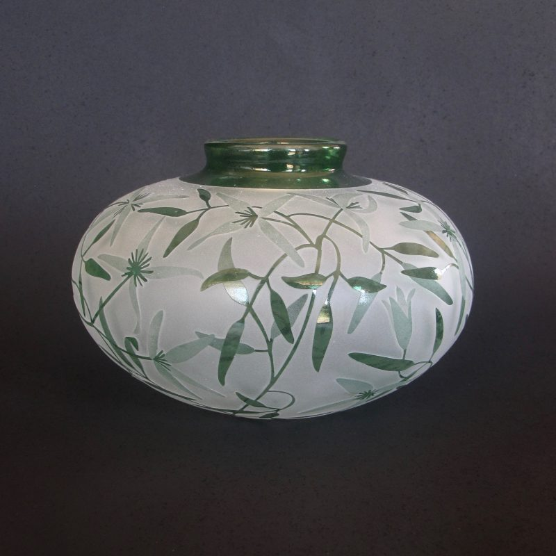 Clematis vase. Handblown and etched glass by Amanda Louden. H10cm W 15cm