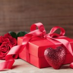 Accompany Your Next Romantic Getaway With These 5 Memorable Gifts