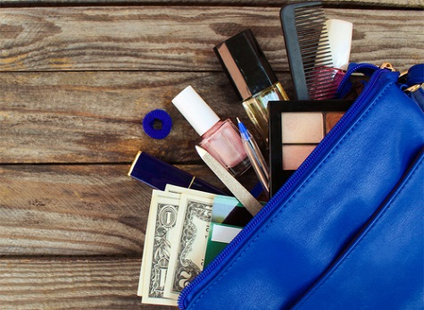 3 Tips To Creating Your Travel Beauty Kit