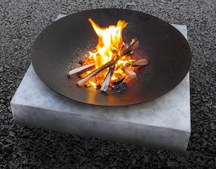 What's hot in fire pit design this winter