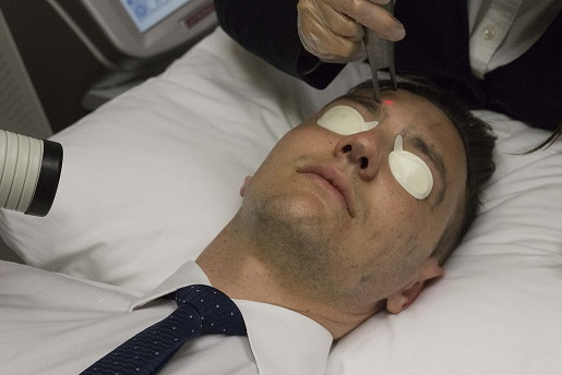 The Hollywood Peel is suitable for both men and women