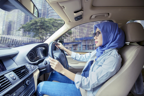 Tips for women behind the wheel