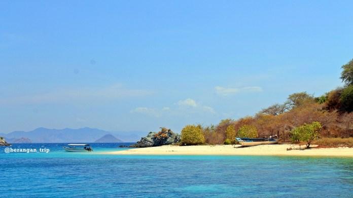 11 Beautiful Beaches In East Nusa Tenggara Authentic Indonesia