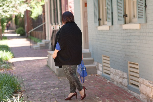 Plus size fashion blogger Authentically Emmie in Melissa McCarthy