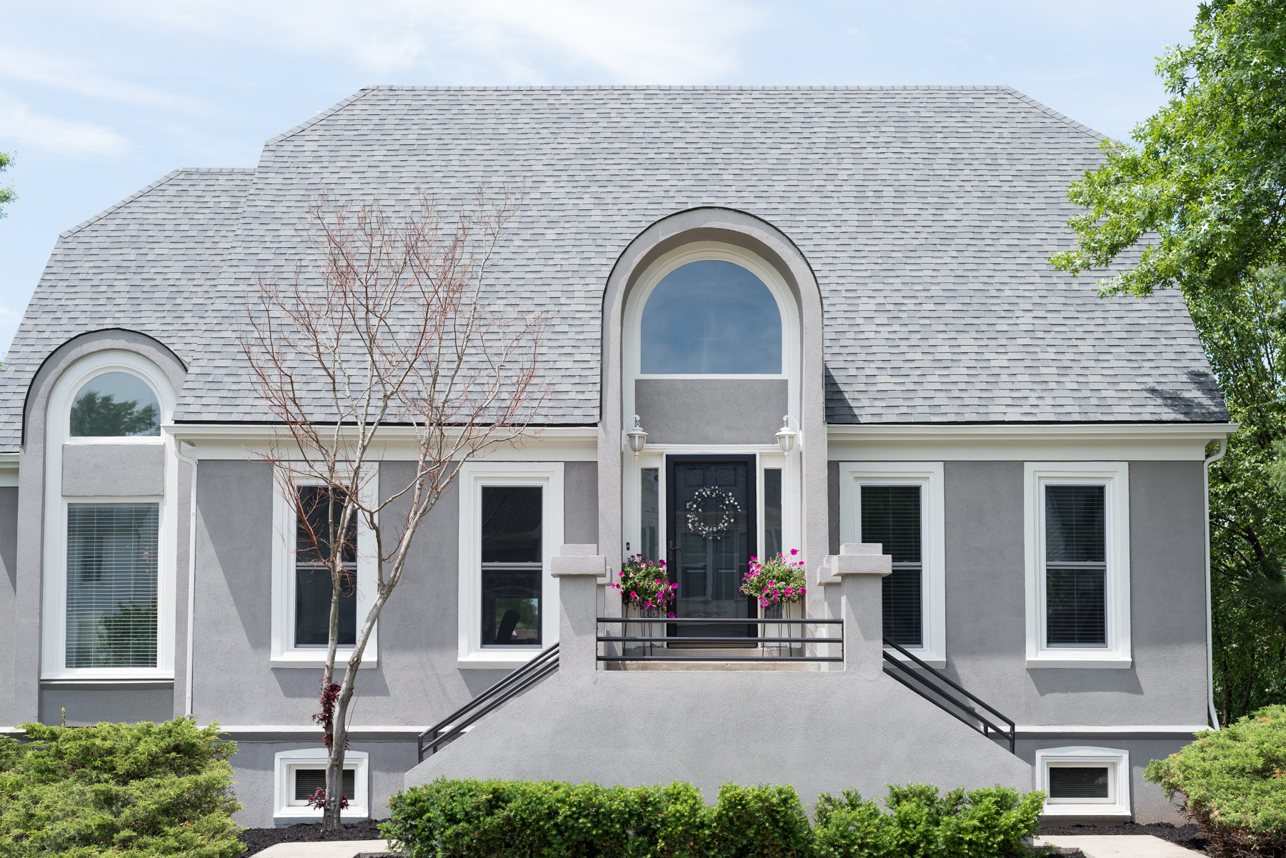 Choosing home paint colors health ins get quotes for Sherwin williams dovetail gray exterior
