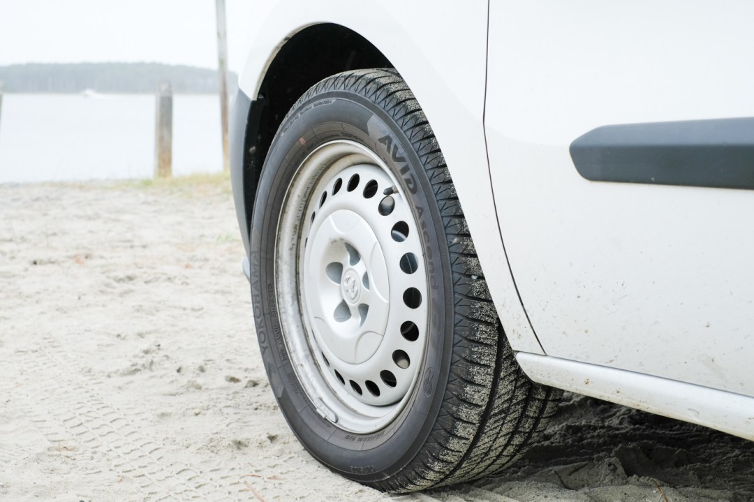 photo of the side view of the tires on the Ram Promaster City