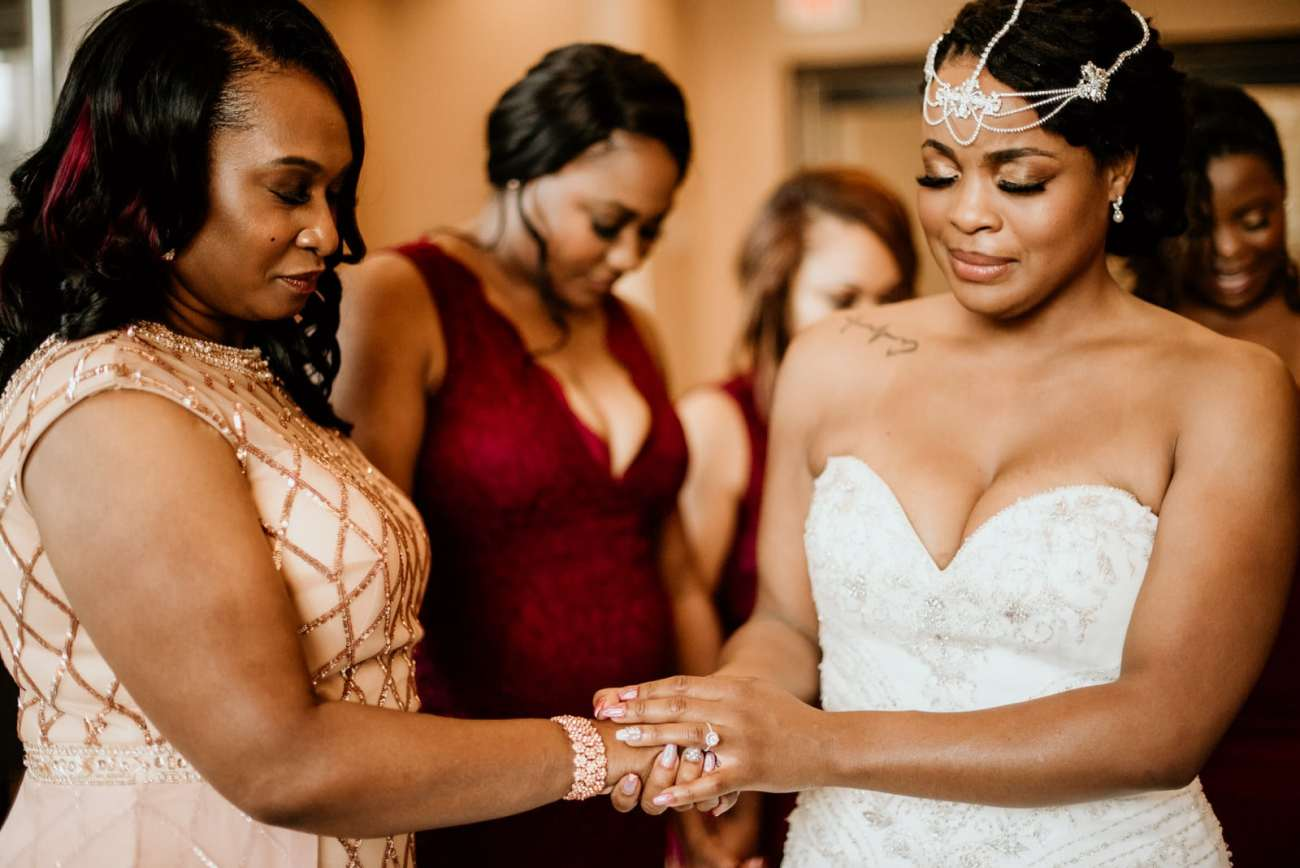 Mother and Bride have a moment prior to the ceremony