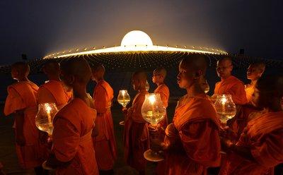 Călugării budişti