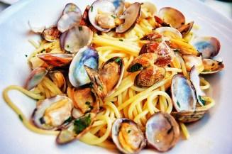 Spaghetti vongole (clams).