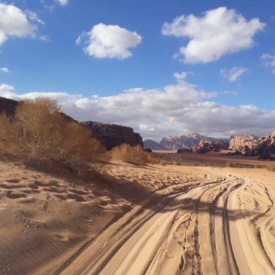 jeep tour in wadi rum desert