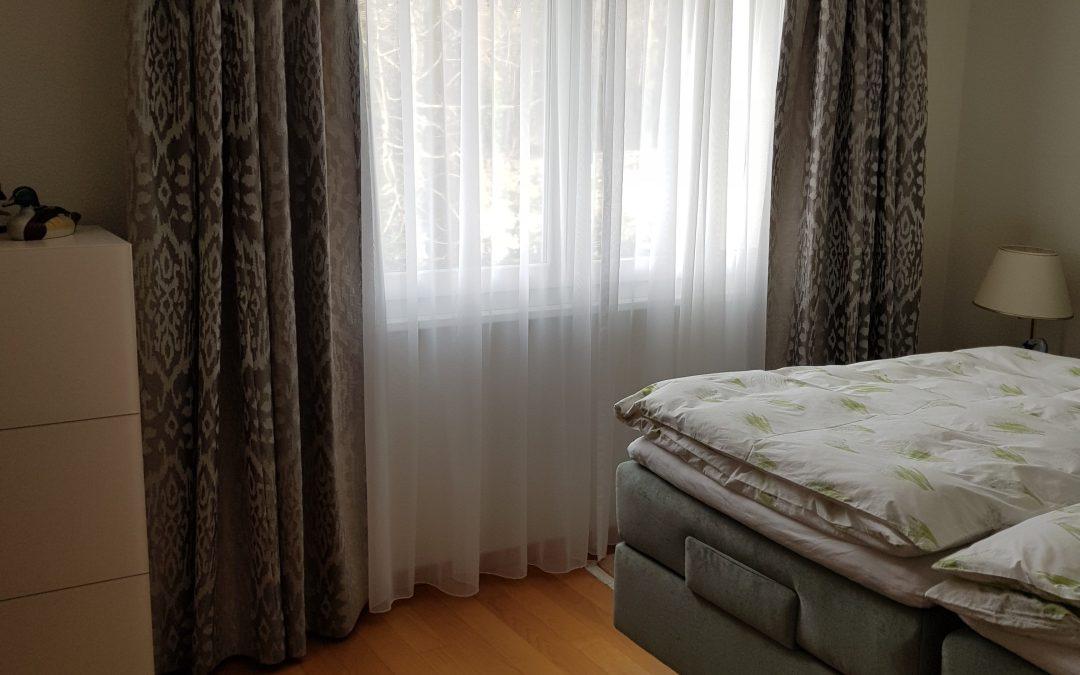 Création d'une paire de rideaux doublée